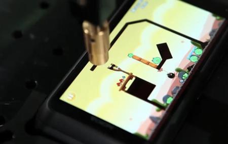 Robot que juega Angry Birds