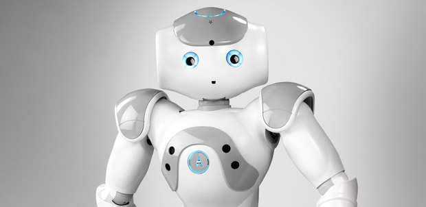 Controlan robot NAO con un Kinect y Wii Remote