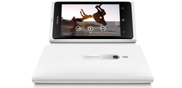 Lumia_800-white