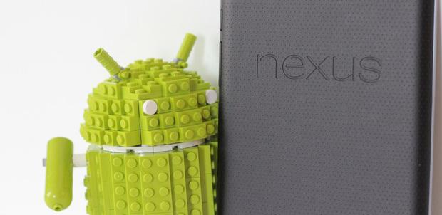Android hecho con piezas de LEGO