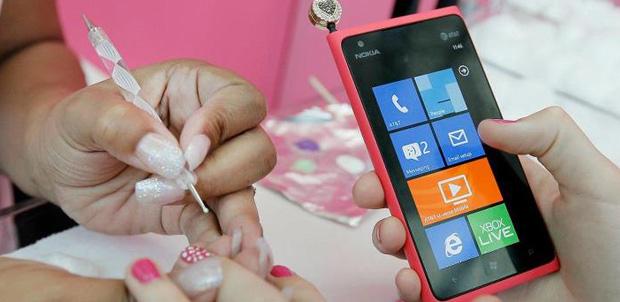 Nokia_Lumia-Pink
