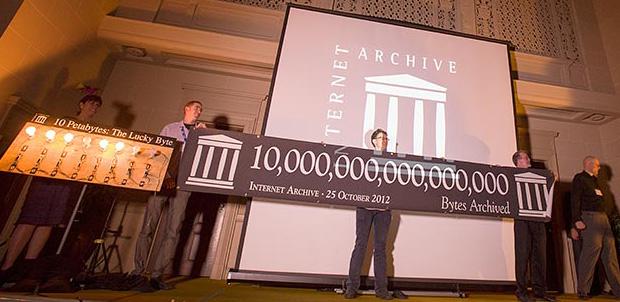 10 petabytes de información en Internet