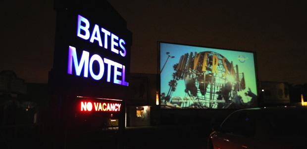 Bates Motel en el Autocinema Coyote