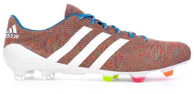 Los primeros tacos de fútbol tejidos de Adidas