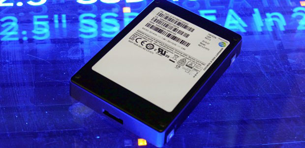Samsung presenta disco duro de estado sólido de 16 TB