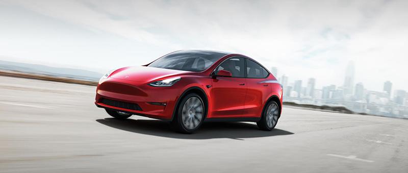 Tesla Model Y rojo