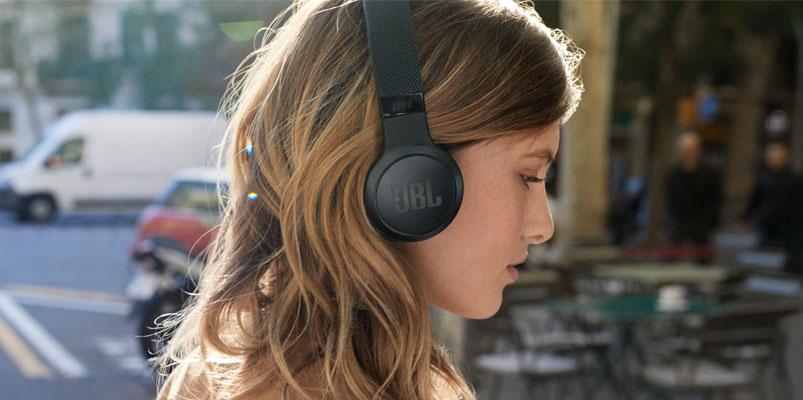 JBL LIVE 400BT, los audífonos inteligentes que ya están en México