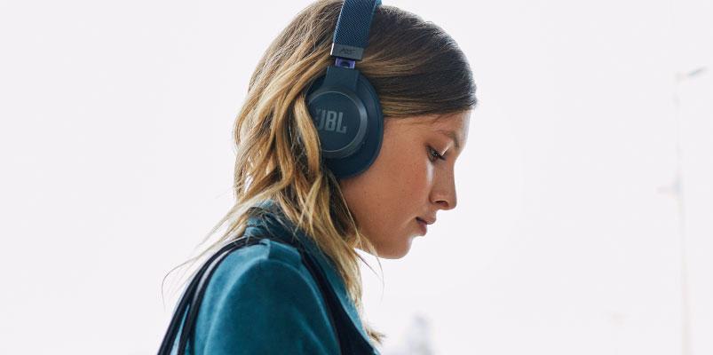 JBL LIVE 650BTNC, audífonos compatibles con Alexa y Google Assistant