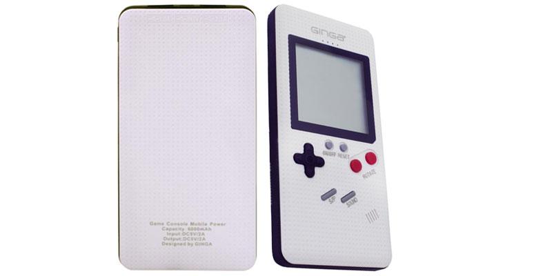 Conoce la powerbank Brickgame de Ginga que te permite cargar y jugar