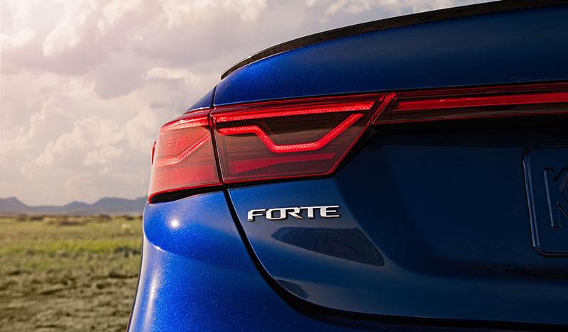 KIA Forte sedan JD Power logo