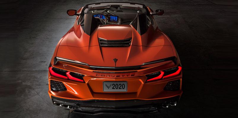 Chevrolet Corvette Stingray Convertible 2020 atras