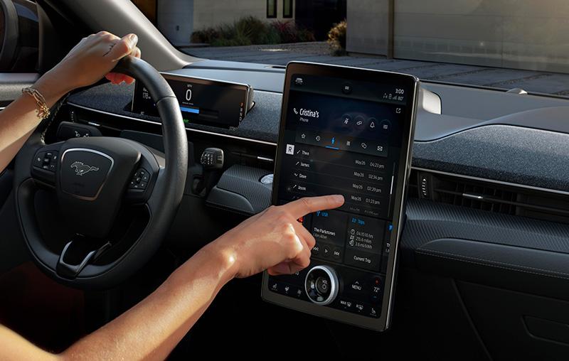 Ford Mustang Mach-E tecnologia pantalla