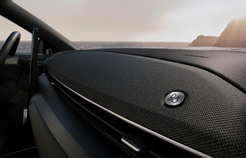 Ford Mustang Mach-E tecnologia sonido