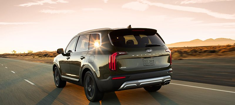 KIA Telluride Kelley Blue Book atras
