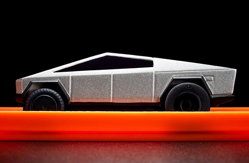 Hot Wheels Tesla Cybertruck pista 3 pulgada lado