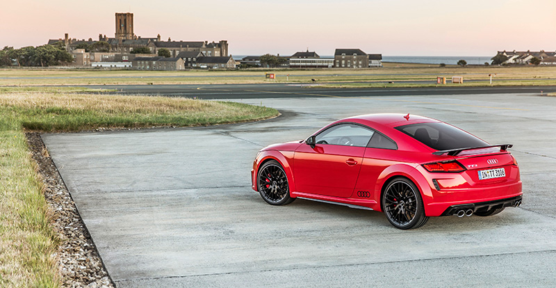 Nuevo Audi TTS TFSI costado
