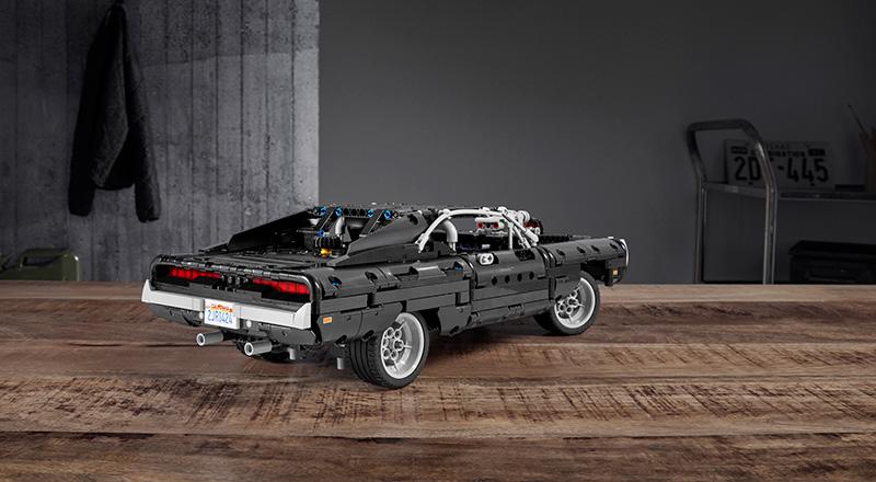 Dodge Charger de Dom LEGO Technic atras