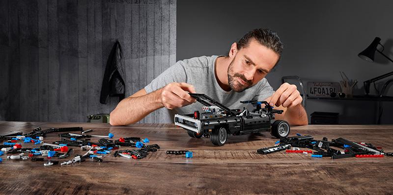 Dodge Charger de Dom LEGO Technic