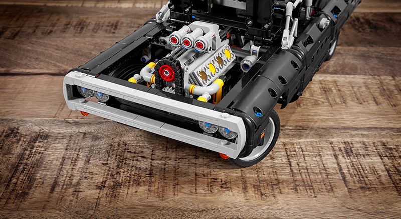 LEGO Dodge Charger RT Dominic Toretto motor