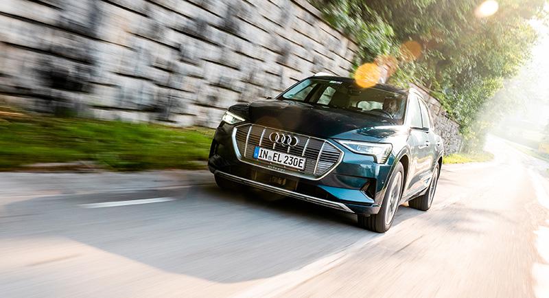 Audi-e-tron-10-tecnologias-gestion-termina