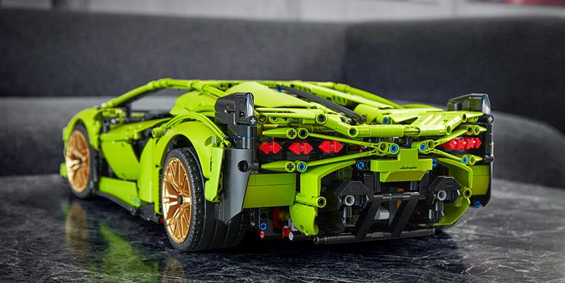 Lamborghini Sián FKP 37 de LEGO Technic trasera