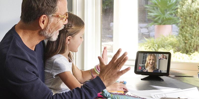 Amazon Echo Show y Alexa los mejores aliados para papá
