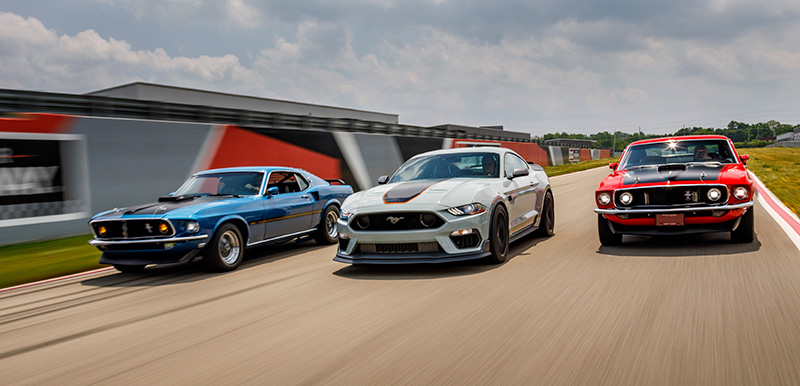 Ford Mustang Mach 1 pista