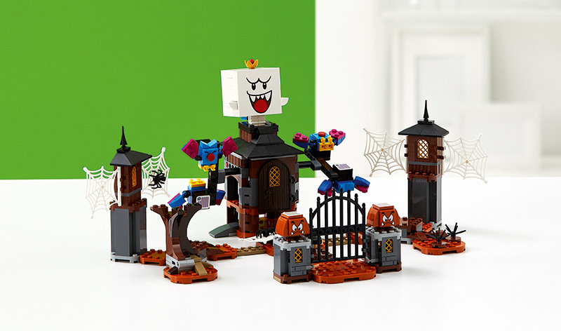 LEGO-Super-Mario-King-Boo-and-the-Haunted-Yard