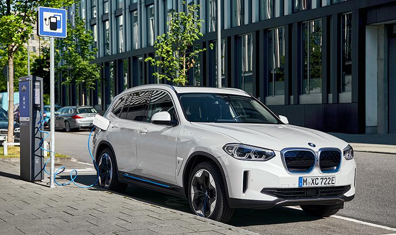 BMW iX3 2021 cargador