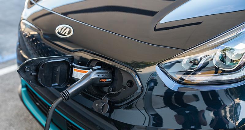 Hyundai y SK Innovation apuestan por las baterías para autos eléctricos