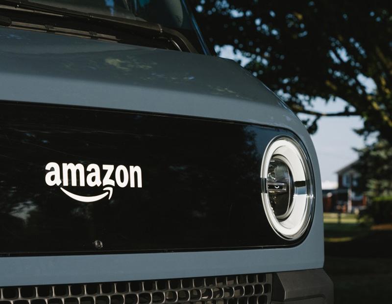 Amazon Rivian camioneta electrica faros LED