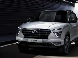 Hyundai Creta 2021 frente calle