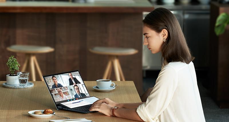 ASUS ZenBook Duo 14 UX482 trabajo