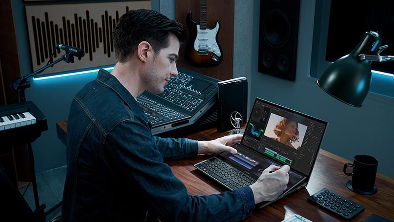 ASUS ZenBook Pro Duo 15 OLED UX582 Adobe