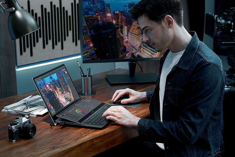 ASUS ZenBook Pro Duo 15 OLED UX582 CES 2021