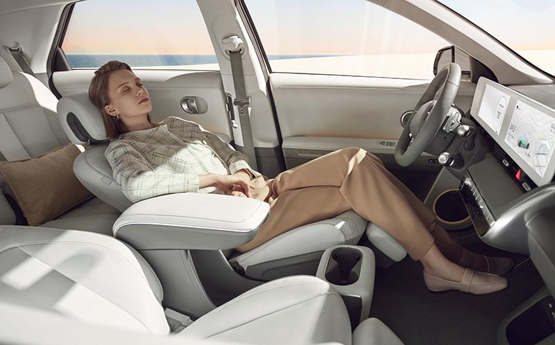 Hyundai IONIQ 5 presentacion interior asientos