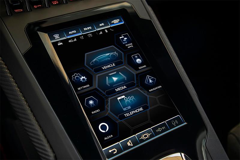 Lamborghini Huracan EVO Alexa pantalla