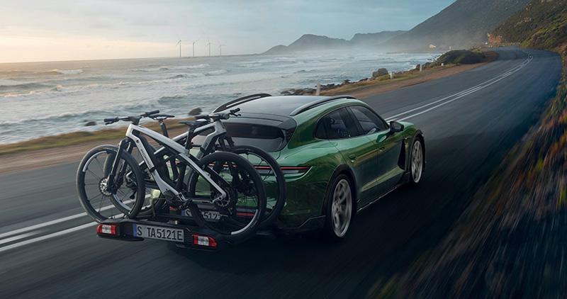 Porsche Taycan Cross Turismo portabicicletas