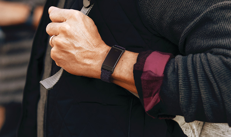 Fitbit-Charge-4-mama