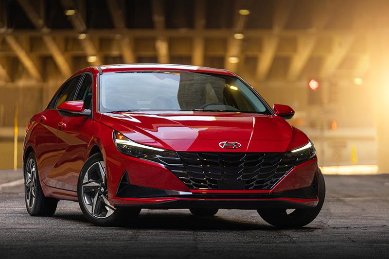 Hyundai Elantra 2022 precio