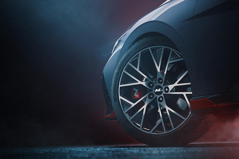 Hyundai Elantra N teaser rines