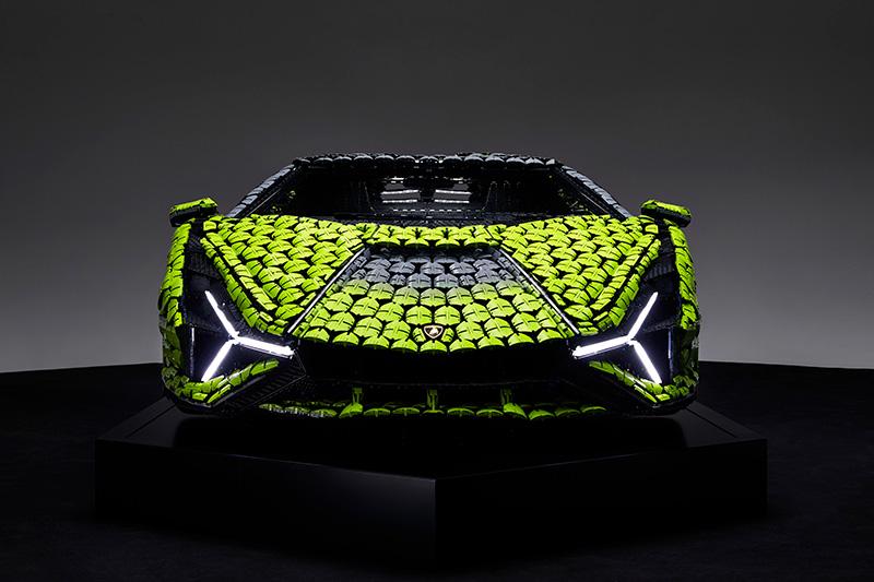 Lamborghini Sián FKP 37 LEGO Technic frontal