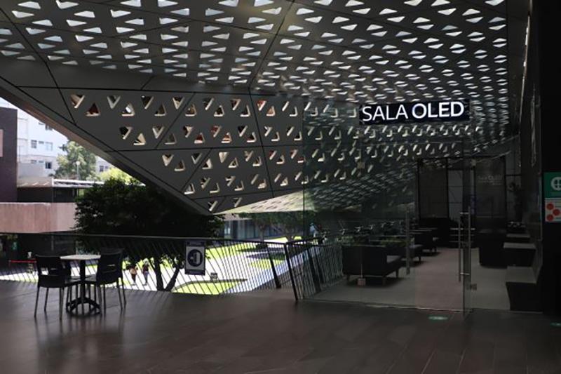 LG presenta en México la primera sala de cine OLED del mundo