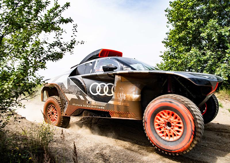 Audi RS Q e-tron lado