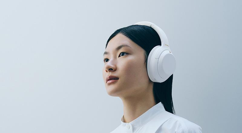 Sony WH-1000XM4 blancos