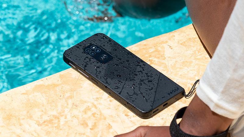 Motorola defy agua
