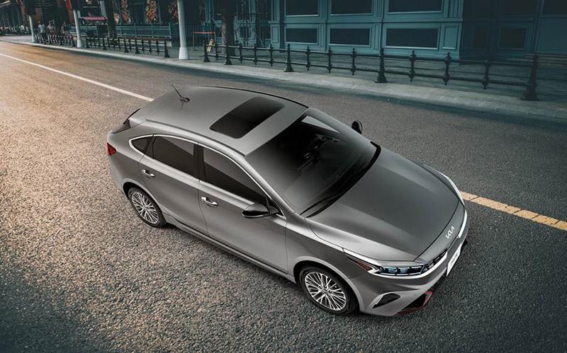 KIA Forte hatchback 2022 costado