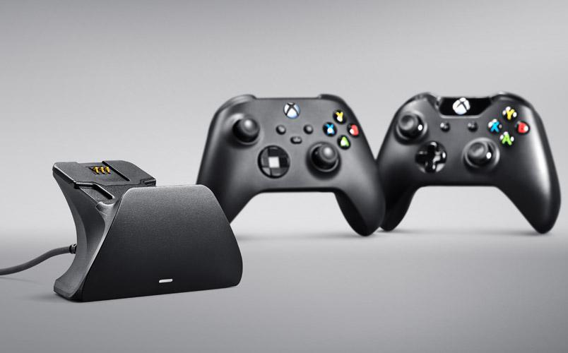 El soporte de carga rápida universal de Razer para tu control de Xbox