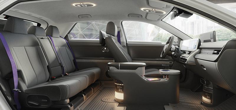 robotaxi IONIQ 5 interior