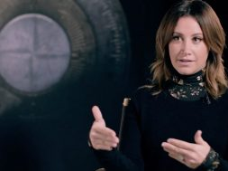 Ashley Tisdale sobrevive a House of Ashes